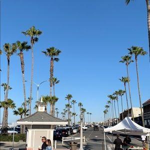 Accessories - Newport Beach Ca. Sunday morning